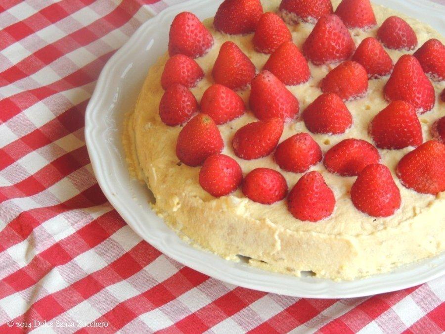 Torta Fragole e Crema Chantilly 3 photo