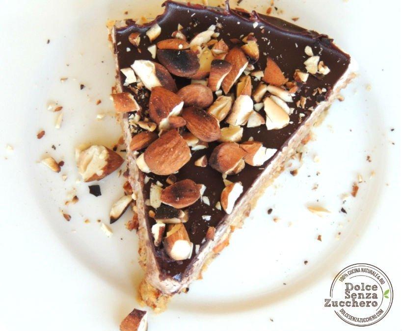 Torta al Burro di Mandorle Panna Mandorle e Cioccolato 3 photo