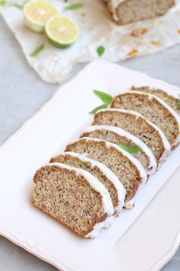pane-dolce-alle-zucchine-senza-glutine-con-glassa-al-limone-a-basso-ig