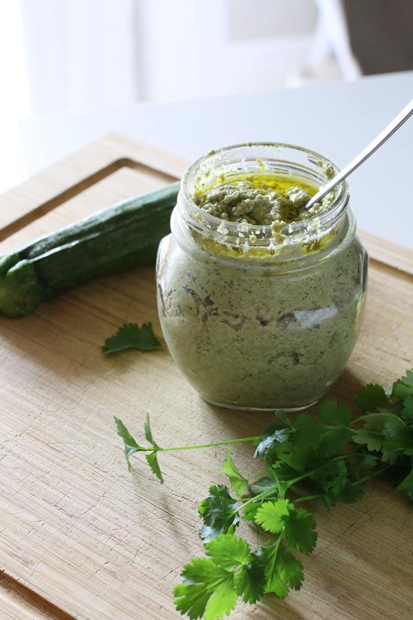 Pesto di Zucchine e Mandorle Senza Formaggio