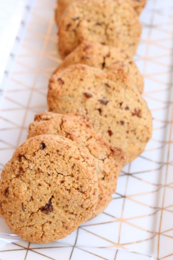 Biscotti con Farina di Chufa e Nocciole e Gocce di Cioccolato molto gustosi