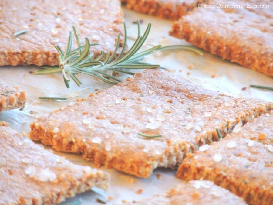 Crackers Senza Farina e Lievito (Senza Glutine) al Rosmarino