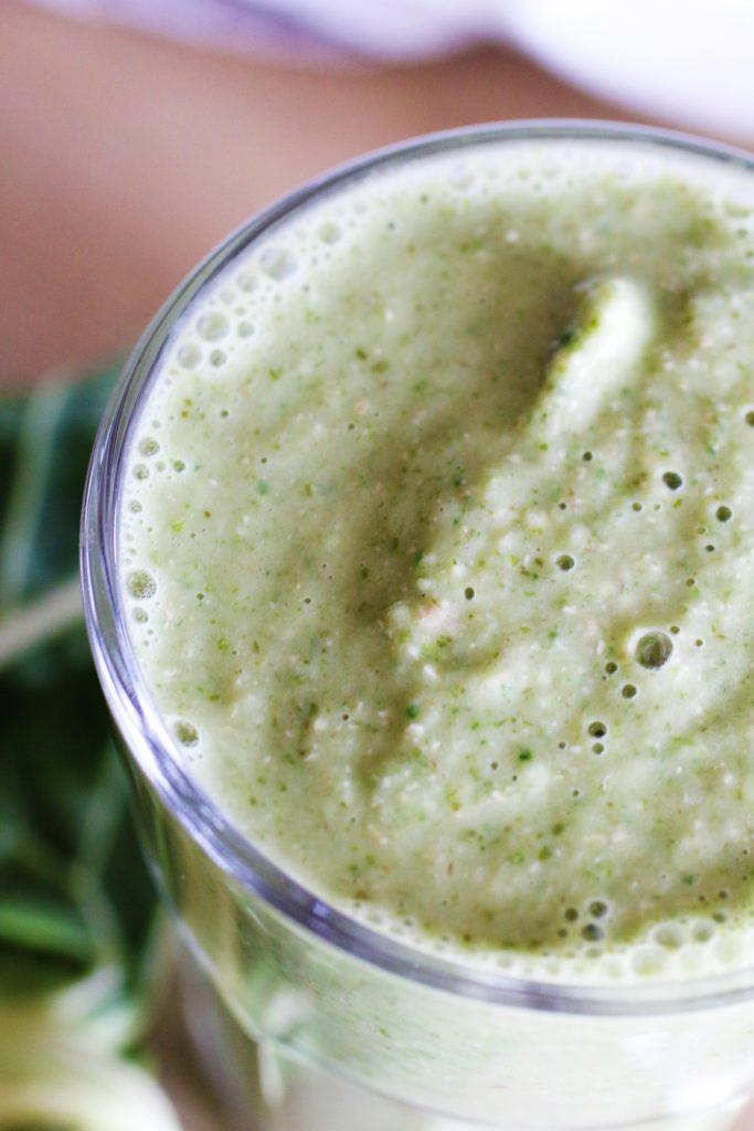 frullato verde con mela e avena integrale