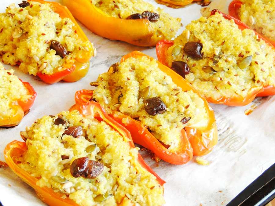 Peperoni ripieni di quinoa a basso indice glicemico di www.dolcesenzazucchero.com