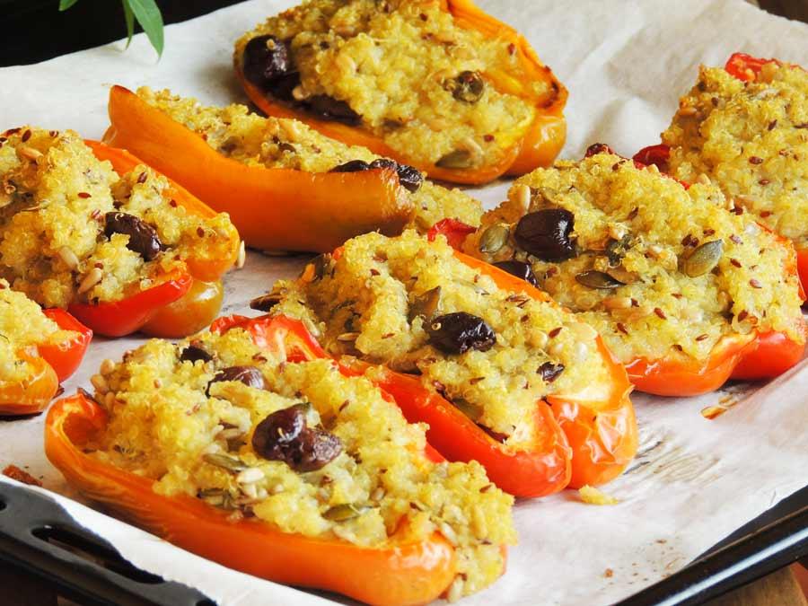 Peperoni ripieni di quinoa a basso indice glicemico su www.dolcesenzazucchero.com