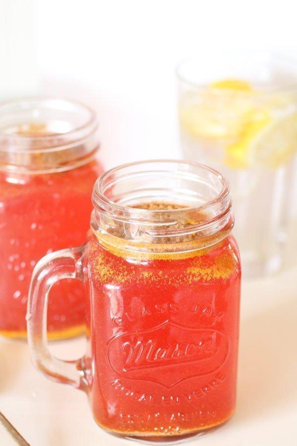 Bevanda Detox con Zenzero, Limone, Tè Verde e Succo di Cranberry