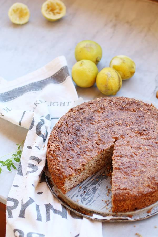 Caprese al Limone Senza Zucchero ricca di mandorle e scorza di limone biologico