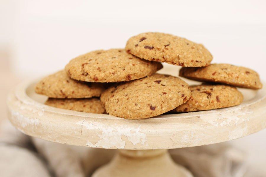 Biscotti con Farina di Sorgo e Gocce di Cioccolato Senza Zucchero