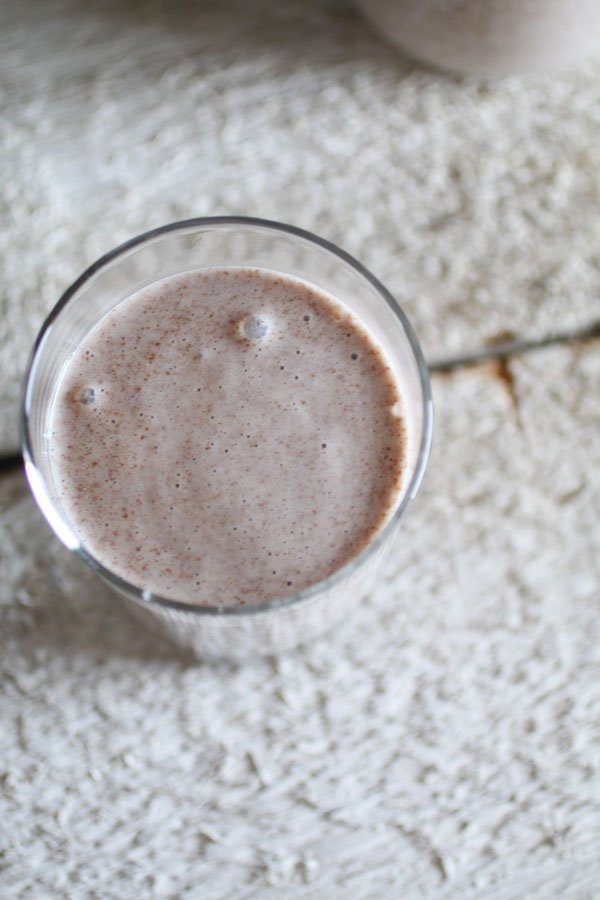Il Latte Di Semi Di Lino in un bicchiere