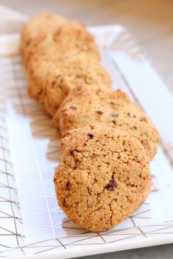 Biscotti con Farina di Chufa, Nocciole e Gocce di Cioccolato