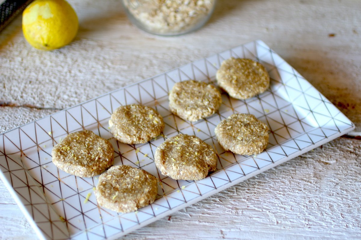 Biscotti Crudi al Limone e Zenzero Senza Zucchero