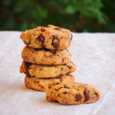Biscotti con Farina di Mandorle e Gocce di Cioccolato senza glutine