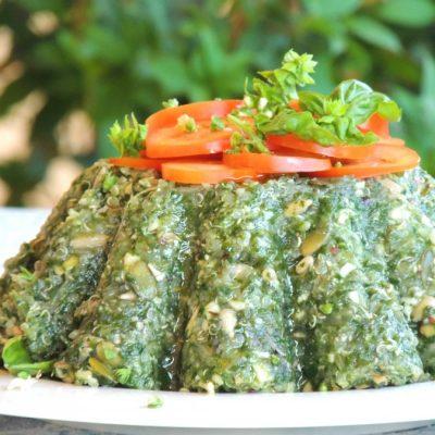 Torta Salata Vegan di Bietole, Quinoa e Nocciole